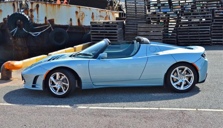 Tesla Roadster Seite