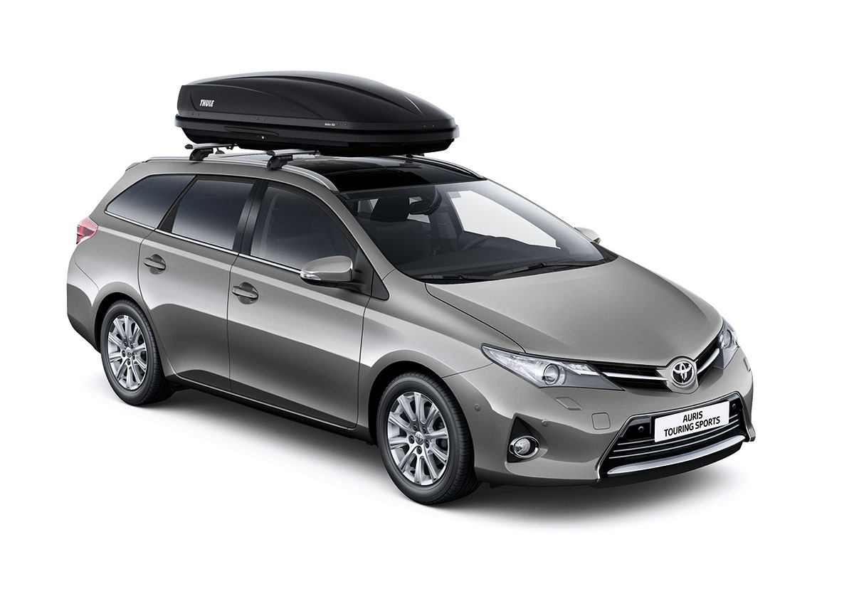 toyota auris hybrid 2010. Black Bedroom Furniture Sets. Home Design Ideas
