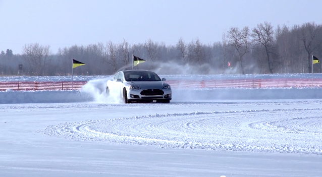 Tesla Model S, Wintertests Minnesota