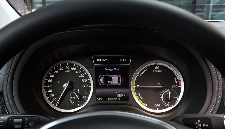 Mercedes B-Klasse Electric Drive Bordcomputer