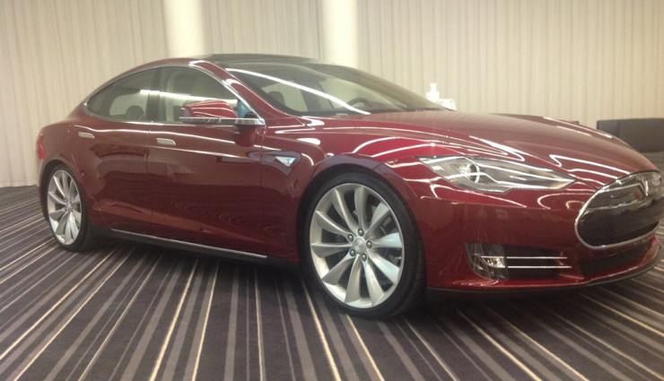 Tesla Get Amped Tour Model S Außen Vorne