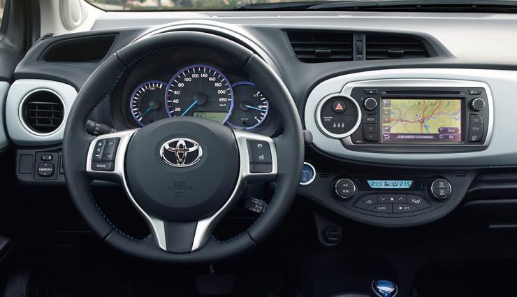 Toyota Yaris Hybrid Cockpit