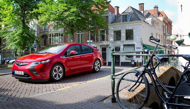 Opel glaubt an den Erfolg von Elektroautos