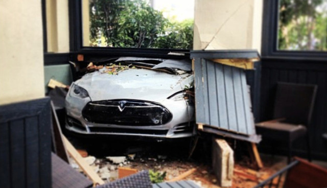 Tesla Model S Crash Camarillo