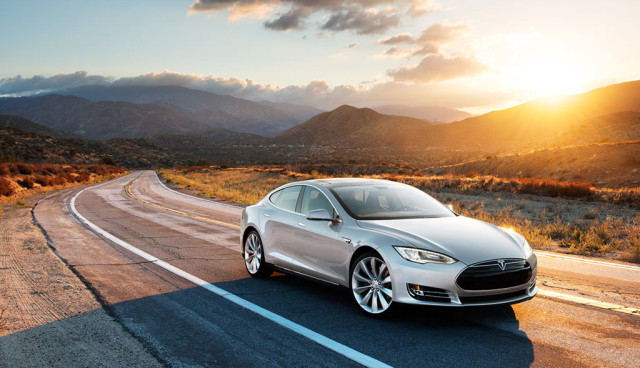 Tesla Model S - Service und Batteriegarantie