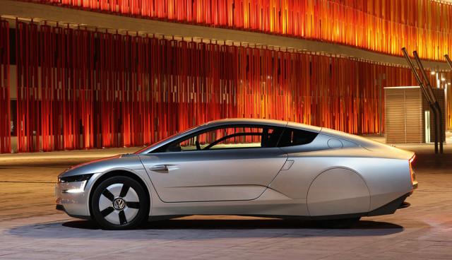 Volkswagen XL1 feiert Deutschlandpremiere auf der Messe Hannover