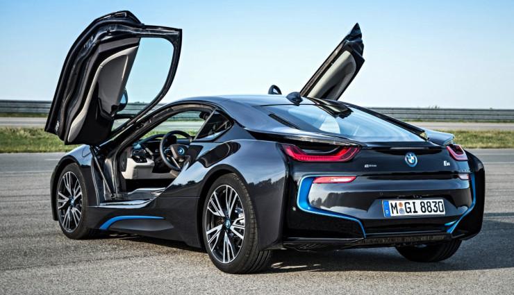 BMW-i8-Schwarz-Fluegeltueren