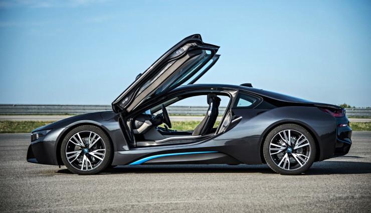 BMW-i8-Schwarz-Seite