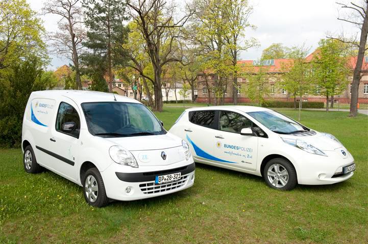 Bundespolizei nimmt zehn Elektroautos in Betrieb