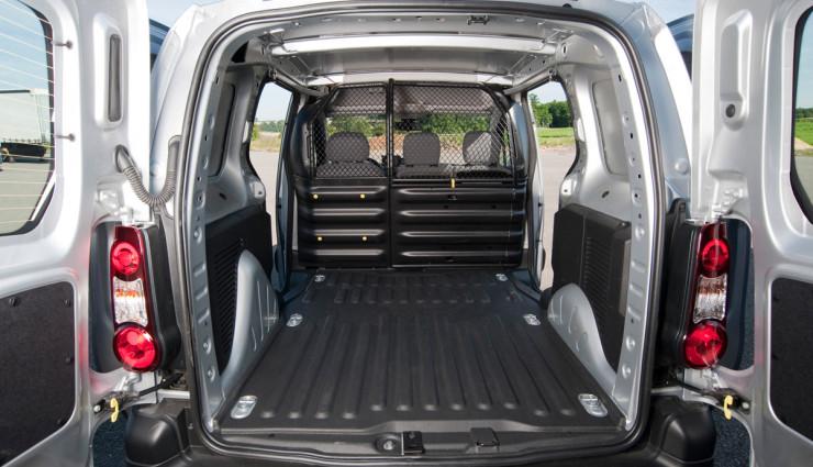 Elektroauto-Transporter-Peugeot-Partner-Electric-Ladeflaeche