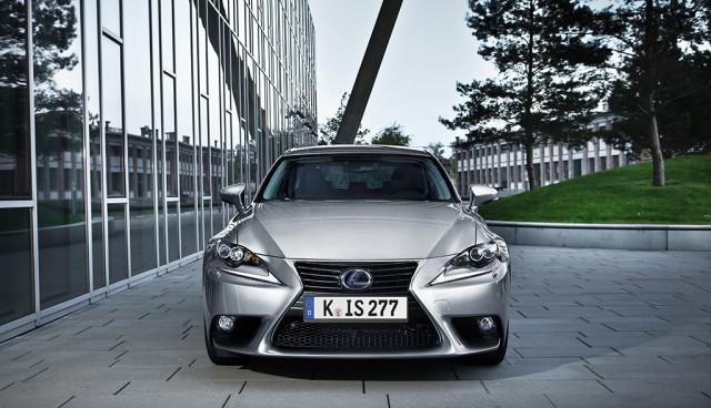 Lexus setzt auf Hybridantrieb
