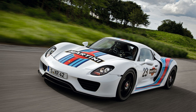 Porsche 918 Spyder Martini Racing Video