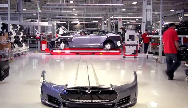 Tesla Model S - Fertigung und Produktionshalle