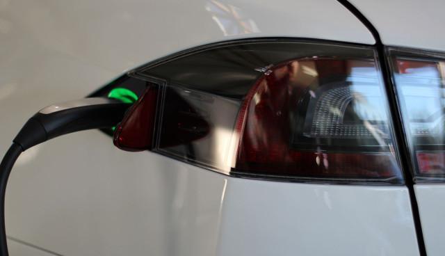 Tesla Model S aufladen, Schnellladung
