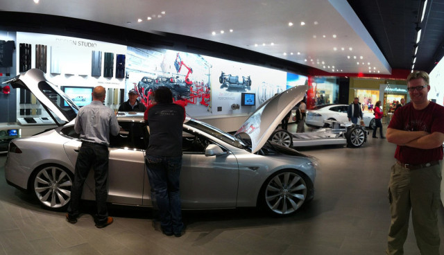 Tesla-Model-S-Kaeufer