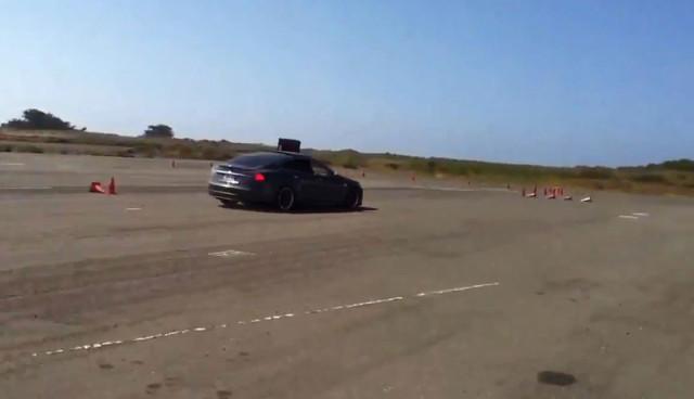 Tesla Model S Rennstrecke