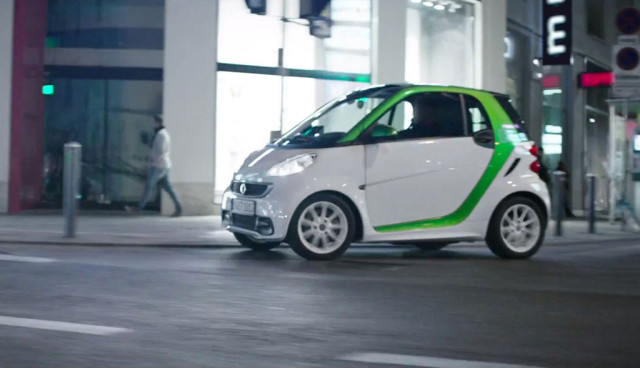 smart-fortwo-electric-drive-Video