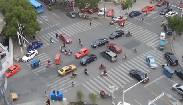 Vom-Wahnsinn-auf-Chinas-Stadtstraßen