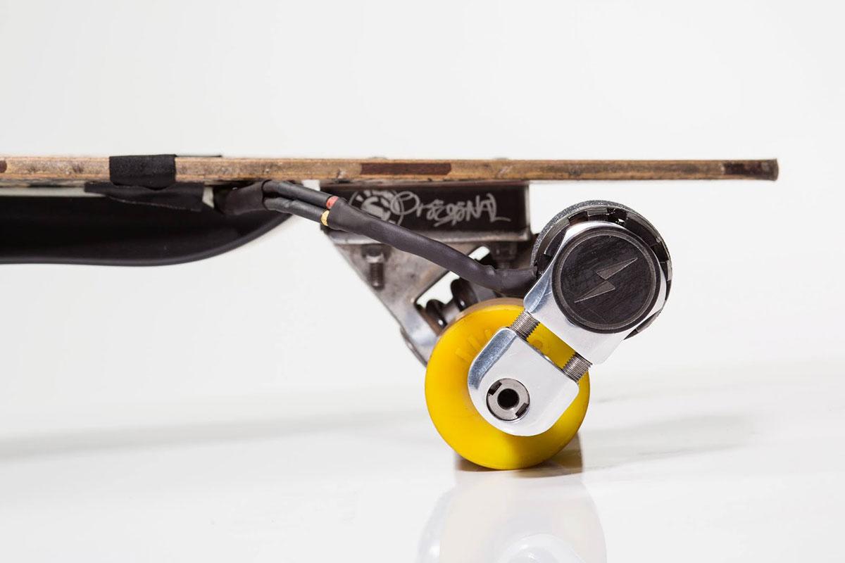 kickr macht skateboards elektrisch video. Black Bedroom Furniture Sets. Home Design Ideas