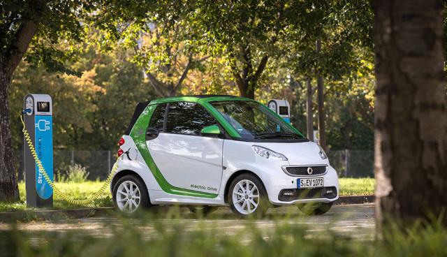 Daimler-Mitarbeiter-Elektroautos