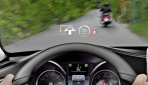Mercedes-C-Klasse-Hybrid-HUD-Display