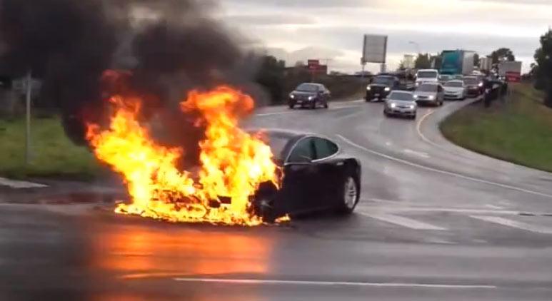 Tesla Model S Brand, Unfall, Feuer