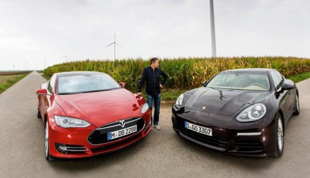 Tesla-Model-S-Porsche-Panamera