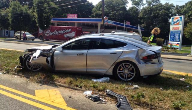 Tesla-Model-S-Unfall,-Sicherheit