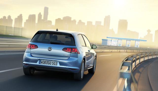 Elektroauto-Hybridauto-Pkw-Zukunft-der-Autobranche
