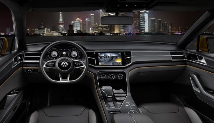 volkswagen-crossblue-coupe-hybrid-cockpit