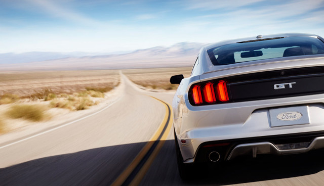 2015-Ford-Mustang-Hybrid