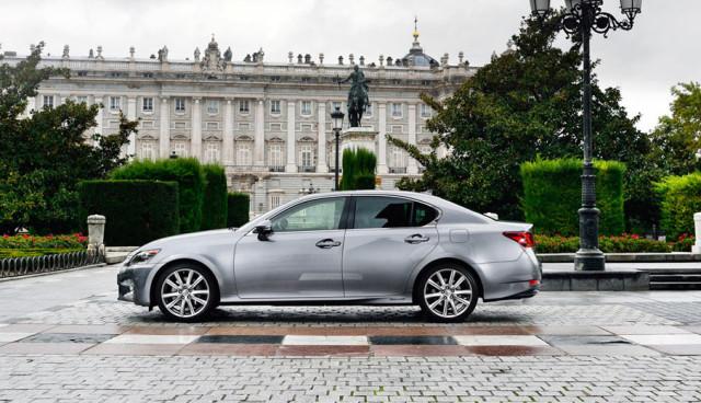 Lexus-GS-300h–Hybridauto-Seite-3