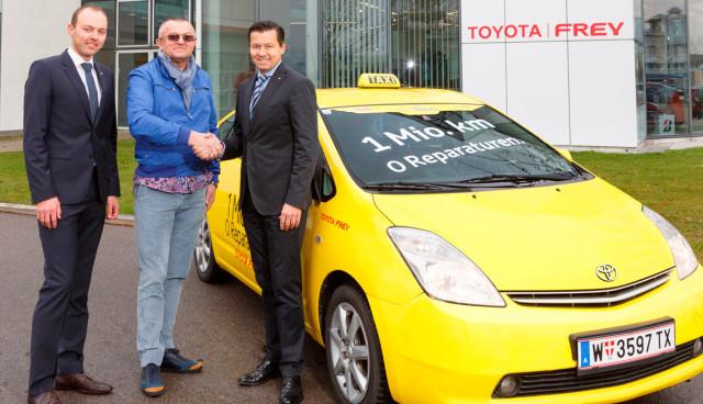 Toyota-Prius-Hybrid-Taxi