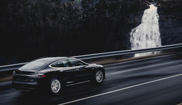 Elektroauto Tesla Model S Winter Norwegen