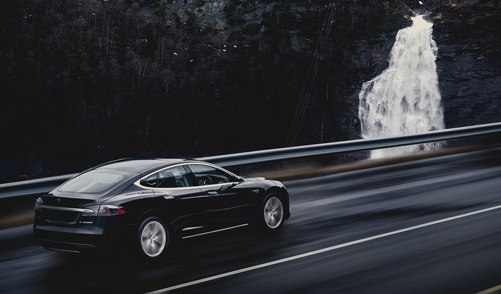 Elektroauto Tesla Model S Winter Norwegen