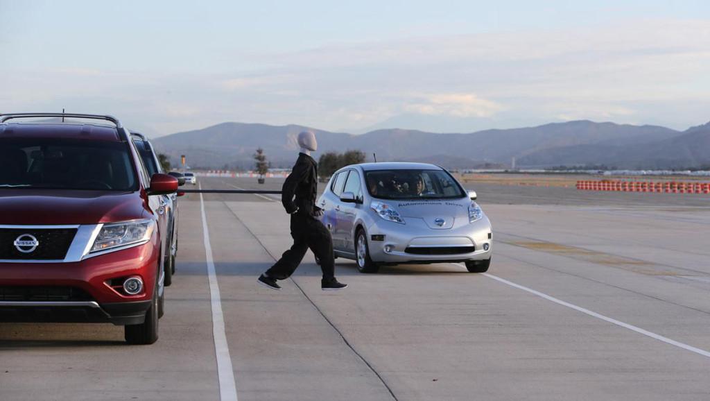 Nissan-LEAF-autonomes-Fahren