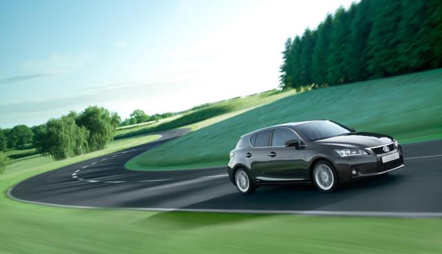 Toyota-CO2-Emissionen-Umwelt,-Hybridauto