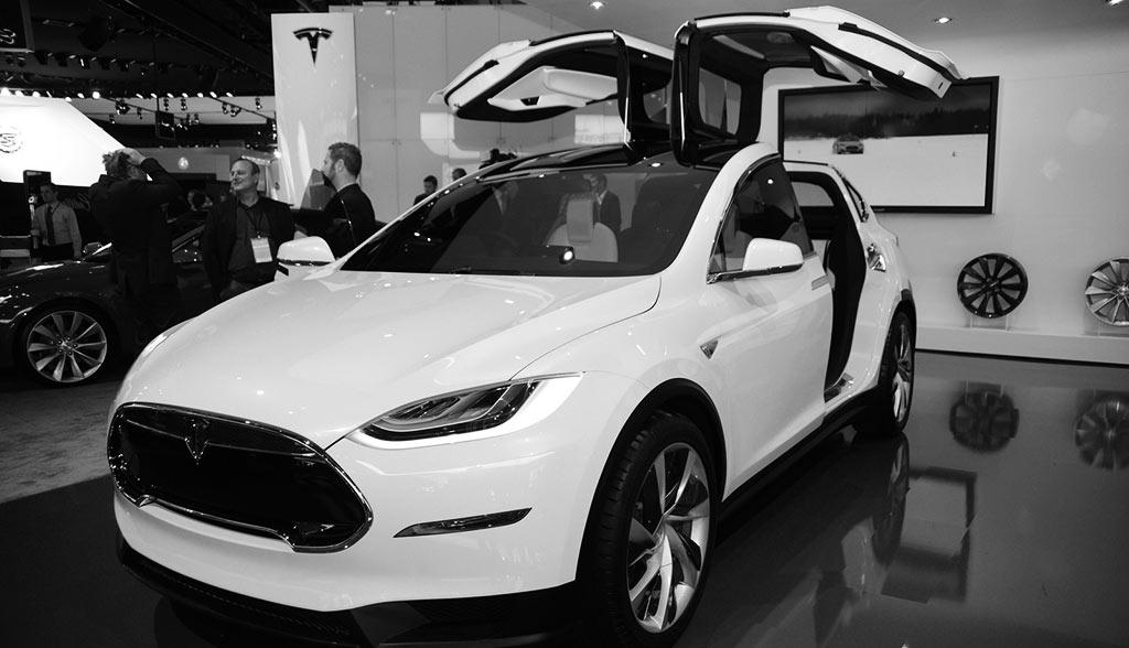 Elektroauto-2015-tesla-model-x-suv