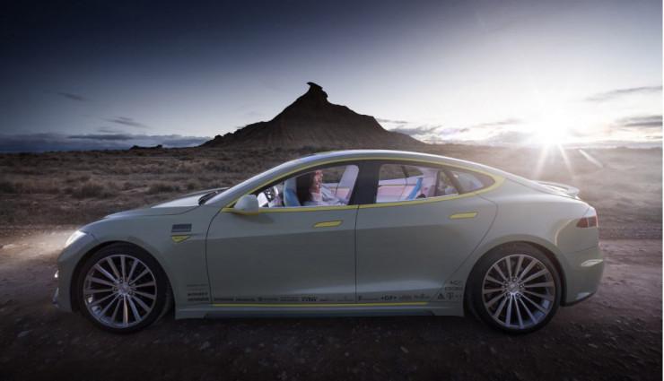 Elektroauto-Rinspeed-Tesla-Model-S-XchangE-Innen