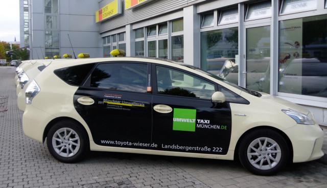 Hybridauto–Taxi-Toyota