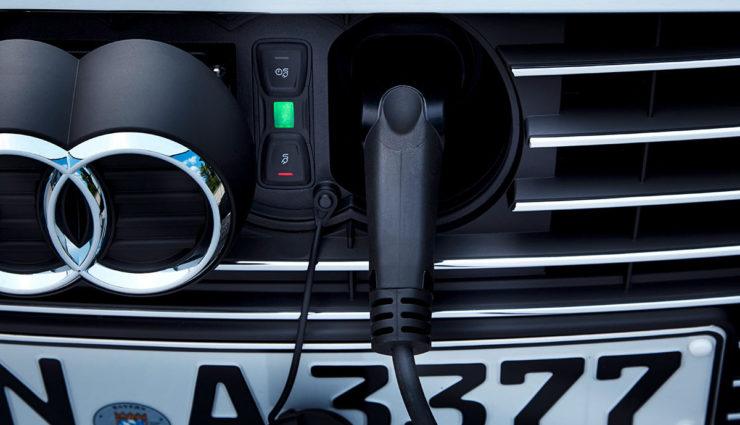 Audi-A3-e-tron-2016—8