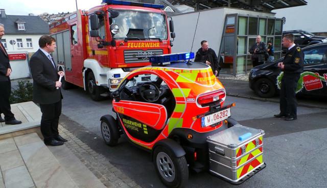 Elektroauto-Renault-Twizy-Feuerwehr