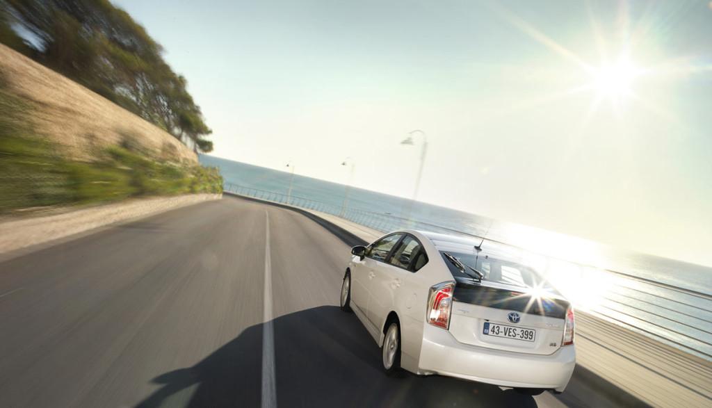 Elektroauto-Umweltvertraglichkeit-gruen