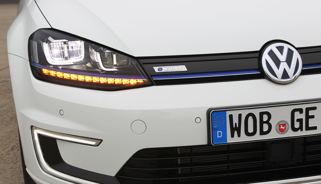 Elektroauto kabelloses Laden wireless VW 2017