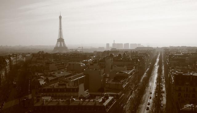 Paris-Smog-Umweltverschmutzung-Elektroauto