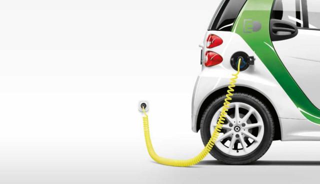 smart-fortwo-electric-drive-2015-Elektroauto
