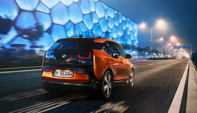 BMW-i3-Elektroauto-Car-of-the-Year-2014