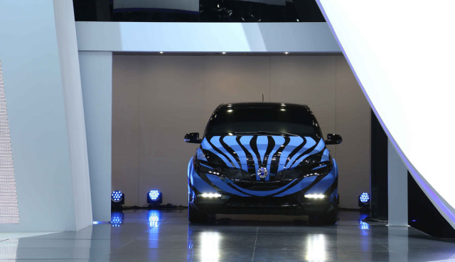 Elektroauto-Mercedes-Benz-BYD-Denza