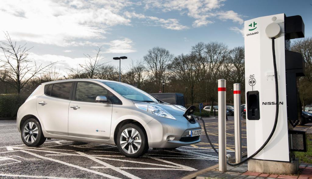 Nissan-Elektroauto-Ladestationen