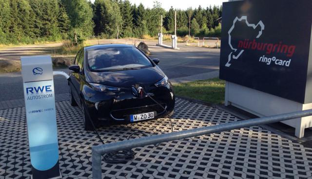 Renault_ZOE_Ladestation_Nuerburgring